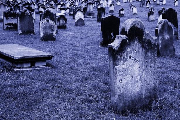 «Лучше спать на могиле»: Почему КАТЕГОРИЧЕСКИ нельзя спать на кровати умершего родственника. Вы должны знать эту шокирующую правду