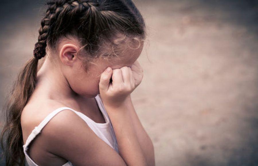 В белый день и со скотчем: 20-летний парень зверски прямо на улице изнасиловал 11-летнюю девочку