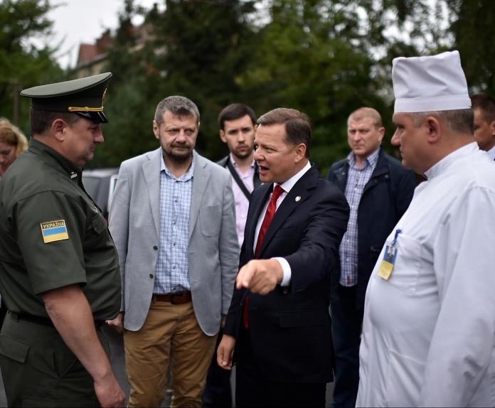 «Куда ни плюнь, везде Ляшко» Главный радикал прибыл во Львов и уже успел отличиться. Что же он натворил?