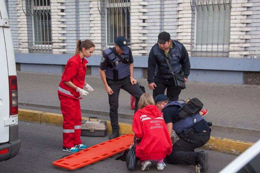 Какой кошмар!!! В Тернополе женщина выпала из маршрутки, получив страшные травмы