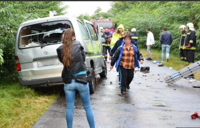 Страшная трагедия!!! Автобус со школьниками попал в кровавую ДТП, погибших трудно посчитать