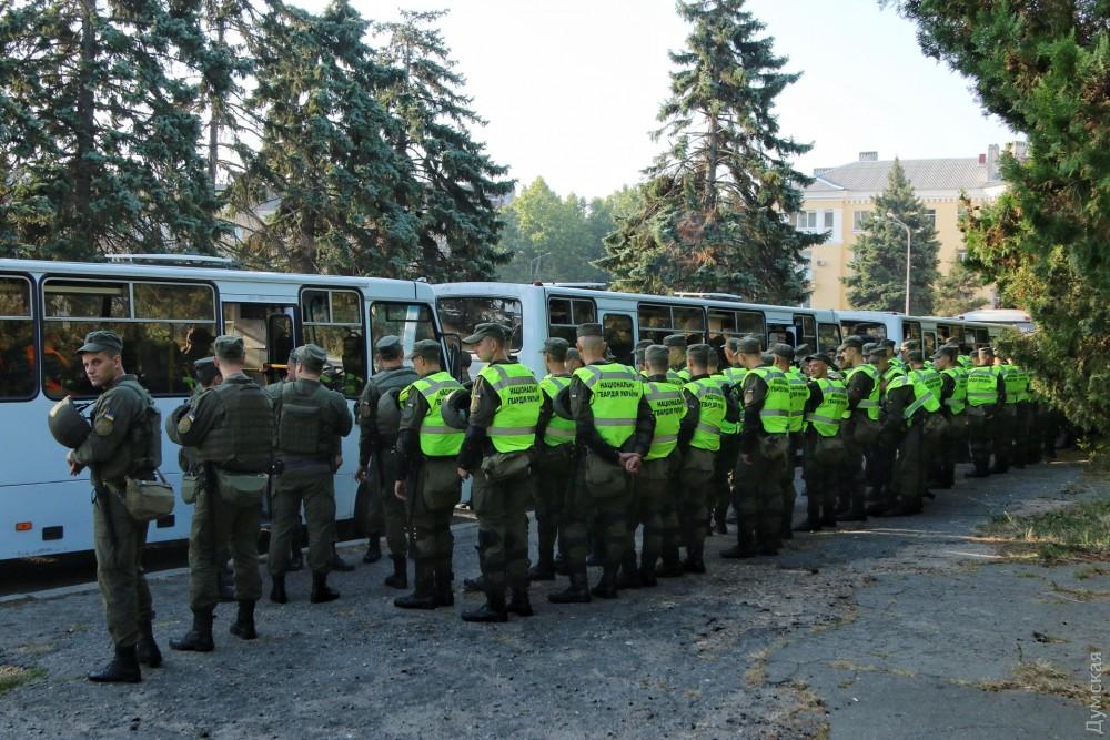 ЧТО ЖЕ ТАМ происходит? В Одессу срочно стягивают Нацгвардию, дежурят «скорые». Одесситы не знают, чего ждать