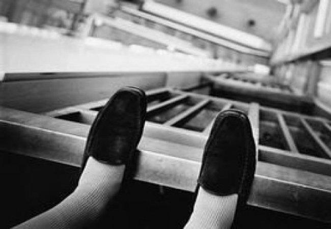 «Сначала вытолкала ребенка, а потом и сама…»: Жуткая история суицида молодой женщины, которая выпрыгнула с 23-этажа. Причины ШОКИРУЮТ
