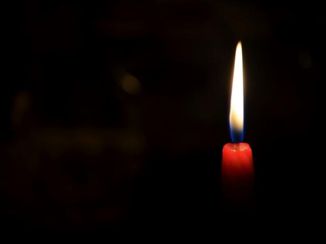 Одесса сегодня плачет… Прощаются с погибшими девочками в пожаре лагеря «Виктория». Трудно сдержать слезы
