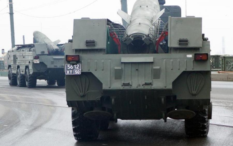 ВНИМАНИЕ! Четыре десятка платформ и вагонов с боевыми единицами стянули к украино-российской границе. Фото шокируют