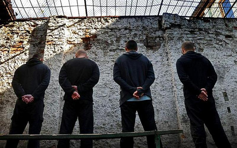 В следственном изоляторе охранники занимались различными сексуальными извращениями с задержанной. История, от которой мурашки по телу
