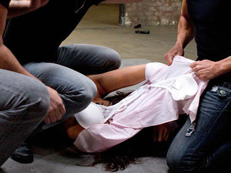 Они ее сначала жестоко избили, а затем по очереди насиловали: школьники зверски поиздевались над 12-летней девочкой, начинается суд