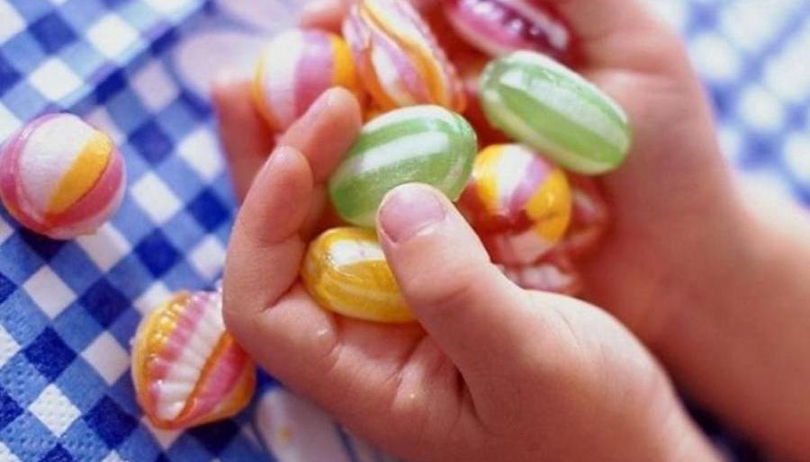 Предупредите детей: Новый «наркотик-убийцу» раздают школьникам, как сладости