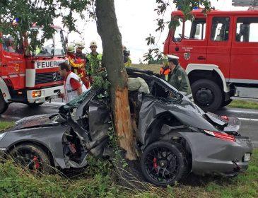 «На скорости влетел в дерево…»: В страшном ДТП погиб единственный сын известного олигарха
