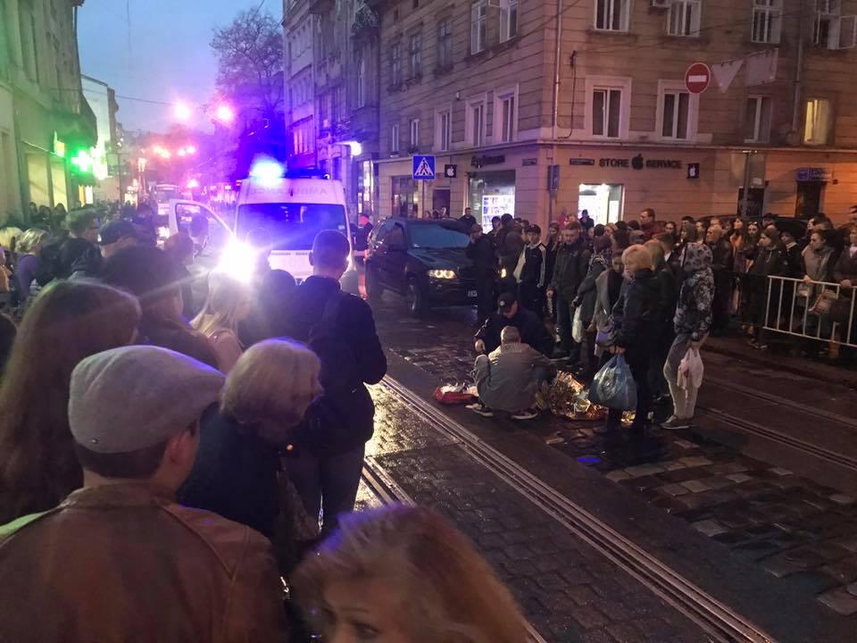 «Вблизи перехода» В центре Львова водитель сбил 12-летнего ребенка (ФОТО)