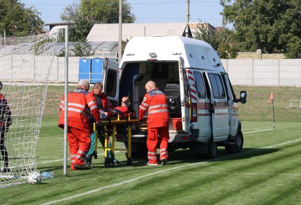 После столкновения с одноклубником вратарь скончался в скорой