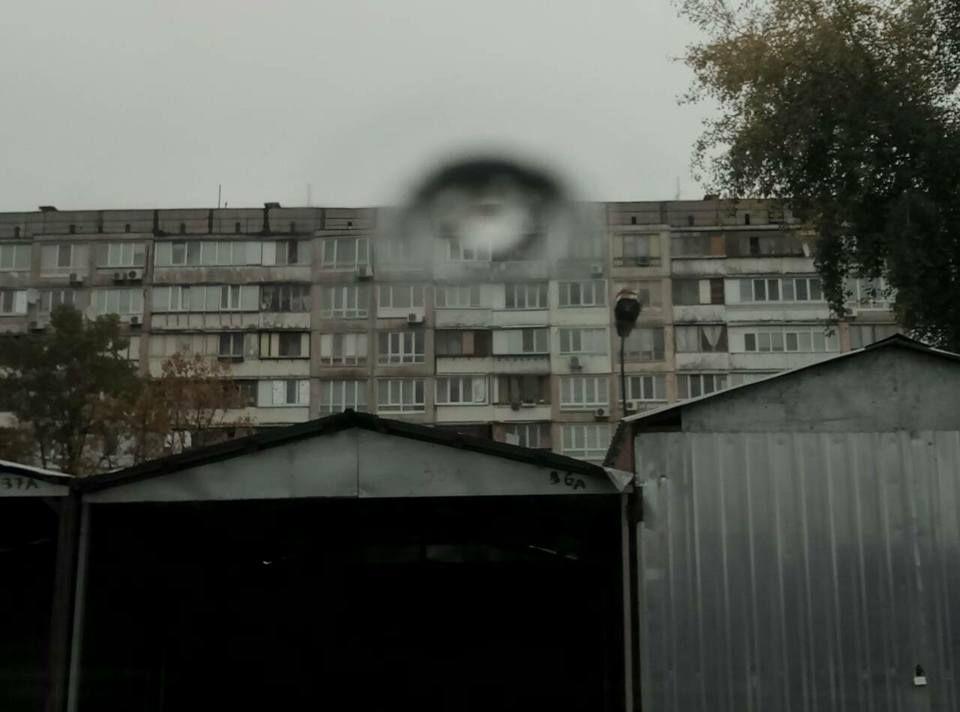 В Киеве средь бела дня мужчина открыл стрельбу из окна многоэтажки, узнайте все подробности