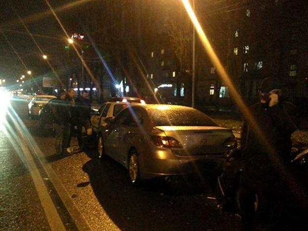Мощная ДТП во Львове: Пьяный водитель столкнулся аж с пятью автомобилями