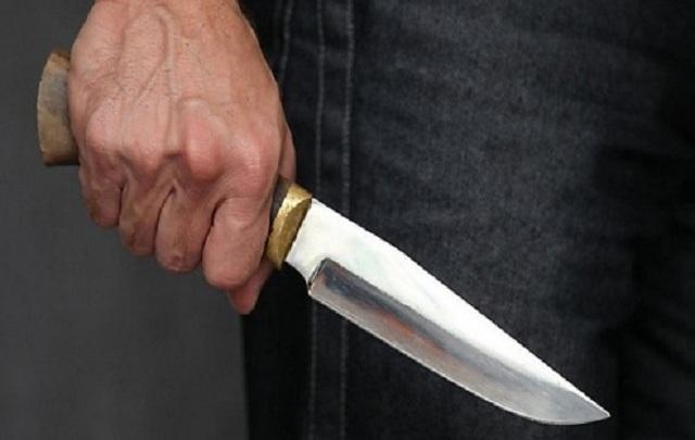 «Проникающее ранение грудной клетки»: На Хмельнитчине 17-летний юноша ранил ножом двух сверстников