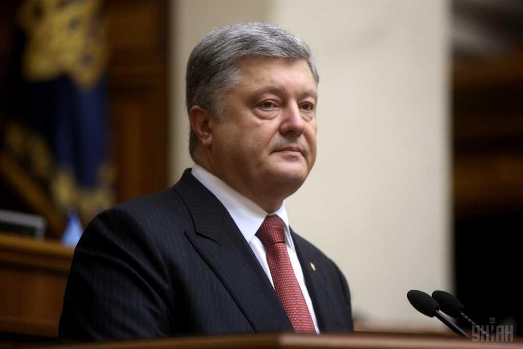 «Грабить безмолвных холопов он не боится»: Известный политолог резко высказался в адрес Порошенко