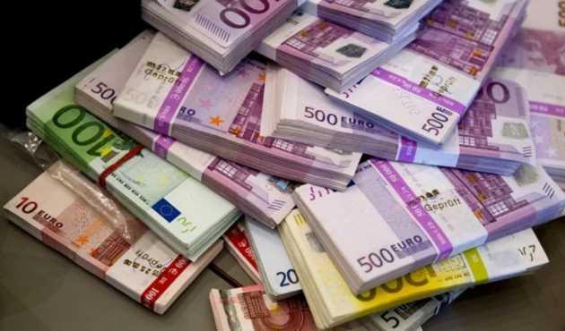 НИ В КОЕМ СЛУЧАЕ! Украинцев предостерегли от покупки евро, это будет иметь фатальные последствия