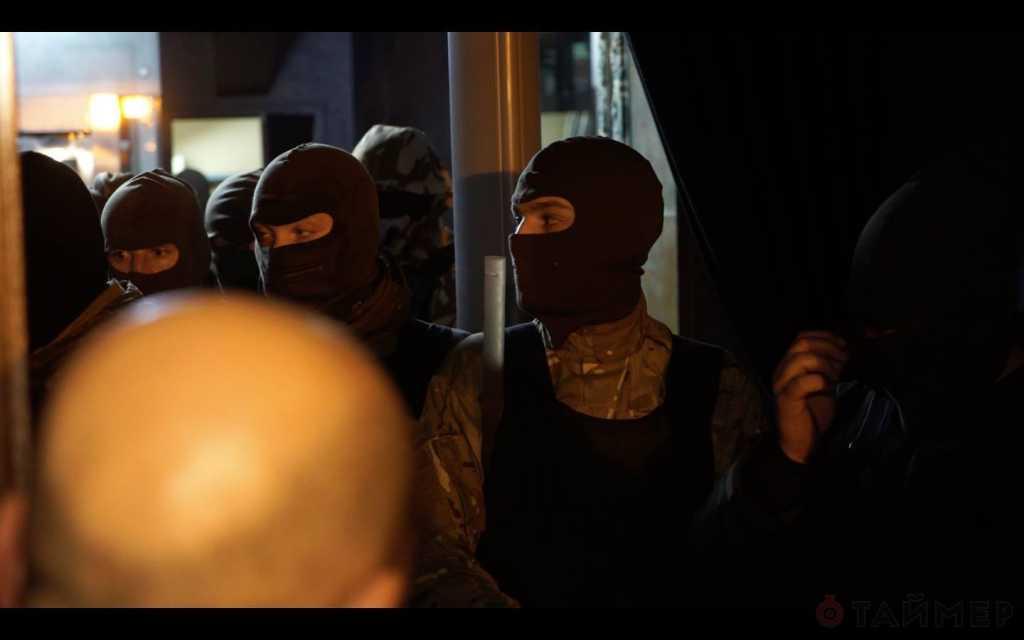 «В масках и в форме без опознавательных знаков…»: К зданию Рады ворвались 40 боевиков