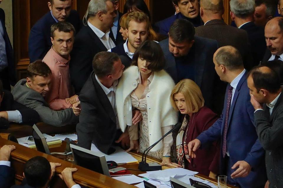 «Напишут такие законы, что завтра никто не будет жить в Украине»: нардеп-радикал сообщил новую информацию о повышении зарплат нардепам