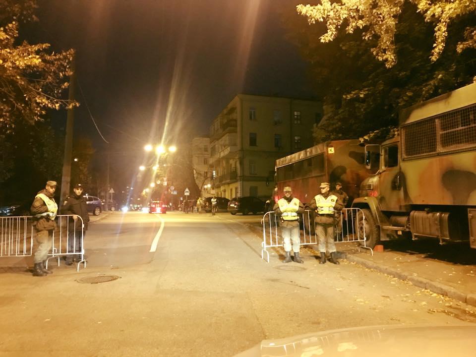Блокировка центра Киева: у Порошенко дали первый комментарий