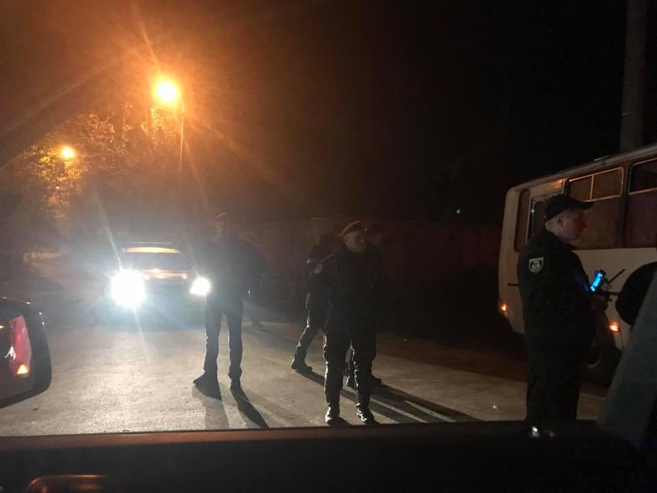 Октябрьское бегство: депутаты вывозят семьи из Киева