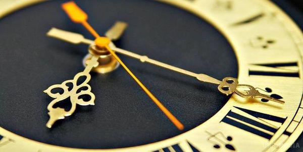 Украина готовится к переходу на зимнее время: все что нужно знать о переводе часов