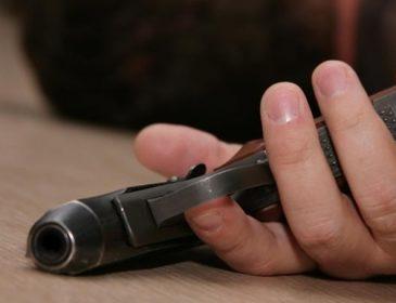 Во Львове мужчина застрелился в собственной квартире