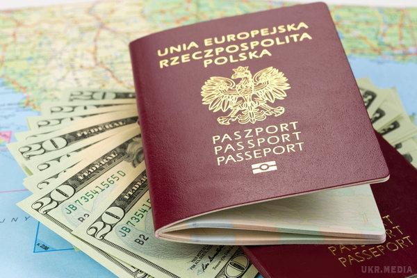Польша предлагает украинцам льготы на трудоустройство