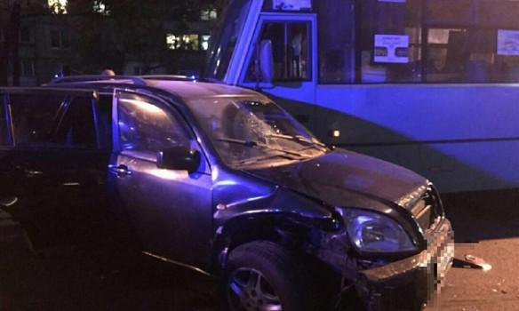Массовое ДТП: В Харькове пьяный водитель влетел в маршрутку
