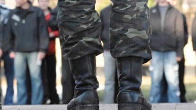 Облава в клубе на призывников: в военном комиссариате никого не отпускают