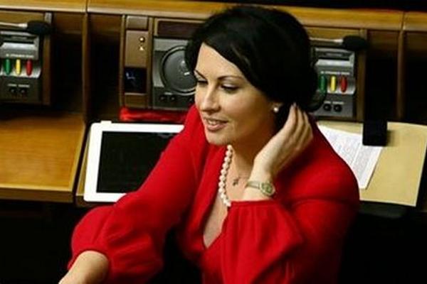 Дворянская свадьба: Скандальная депутат Оксана Калетник вышла замуж, у вас челюсть отвиснет от ее избранника