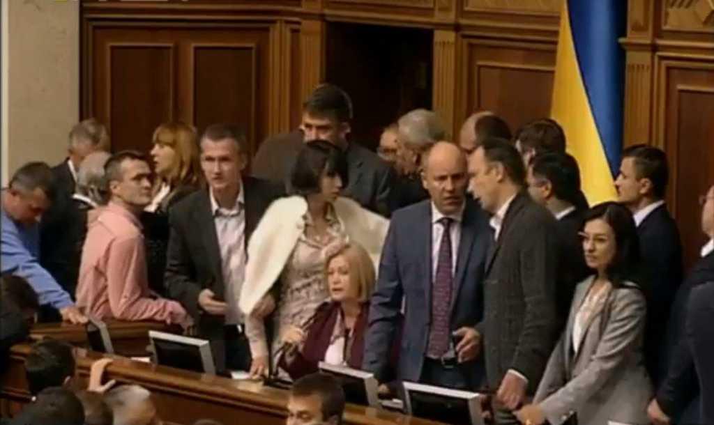 «Взрослые дяди и тети …»: Геращенко с трибуны эмоционально обратилась к депутатам в Раде