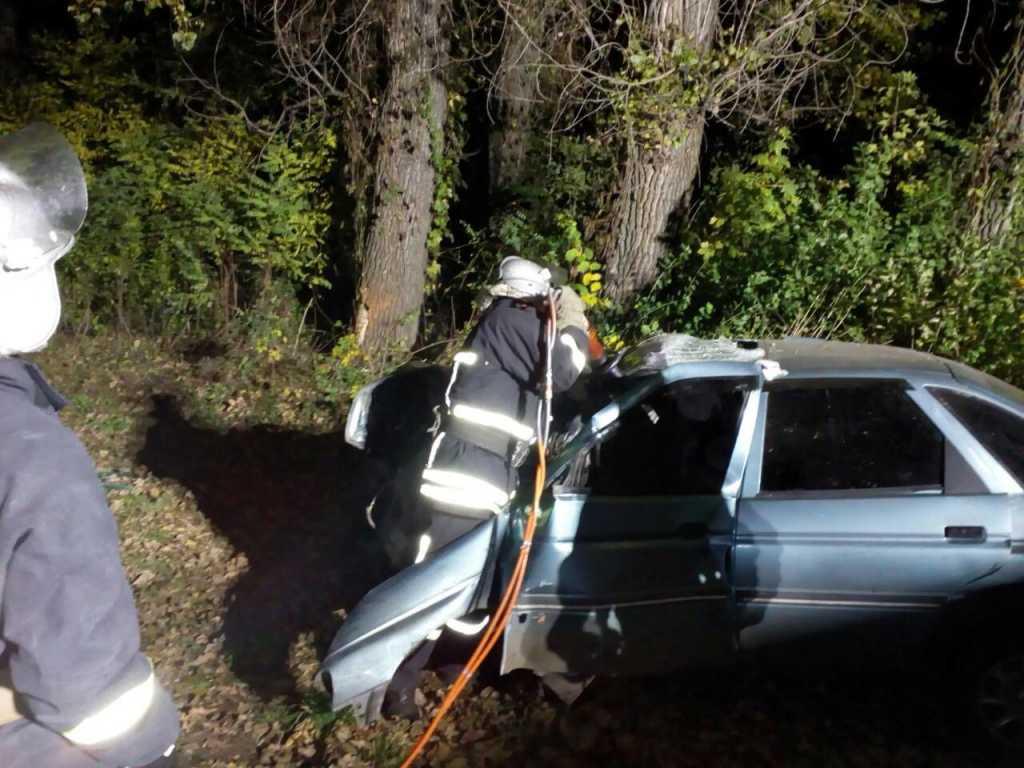 «Авто пришлось резать, чтобы извлечь погибших и пострадавших..»: Смертельное ДТП на Кировоградщине