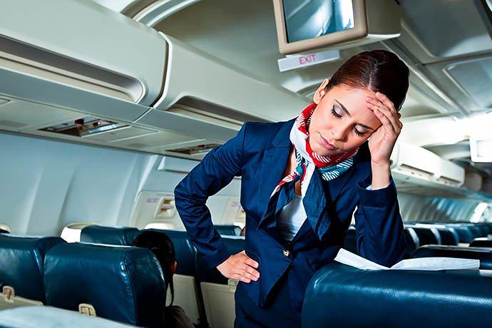 «Обматерил и его скрутили»: Известный украинец устроил скандал в самолете из-за украинского языка
