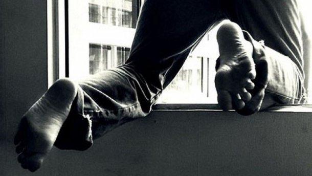 Покончил с собой, прыгнув с восьмого этажа