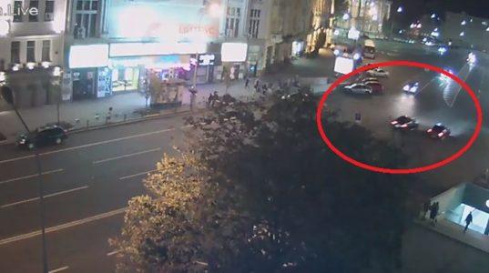 Сеть активно обсуждает видео гонки, из-за которой случилось жуткое ДТП в Харькове
