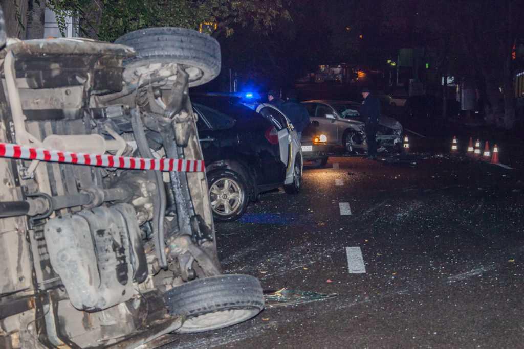 «За рулем был иностранец…»: Маршрутка перевернулась из-за Lexus, ДТП в Днепре (ФОТО)
