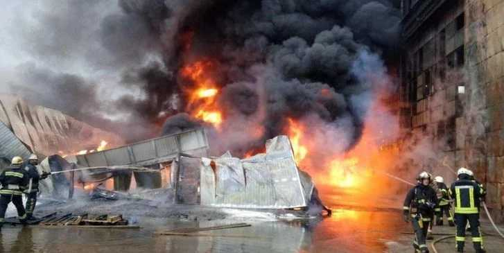 «Огонь и дым …»: Сильный пожар в Киеве