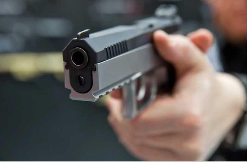 Военный расстрелял женщину с маленькой дочерью, а после покончил с собой