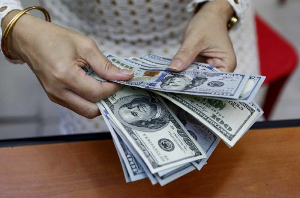 «Минимально 20-40 тысяч гривен…»: Где и за что больше всего платят украинским работникам