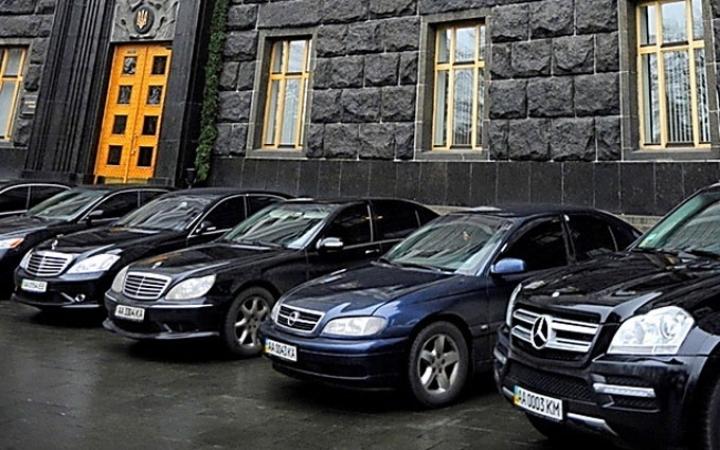 Они серьезно? У Луценко «оправдались» за дорогие авто. Ну теперь то понятно почему…