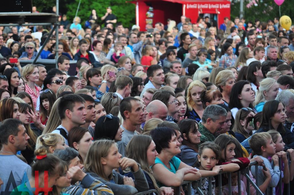 «Никакой войны мы там не увидели»: Известный певец, любимец миллионов, дал скандальный комментарий после концерта в «ДНР