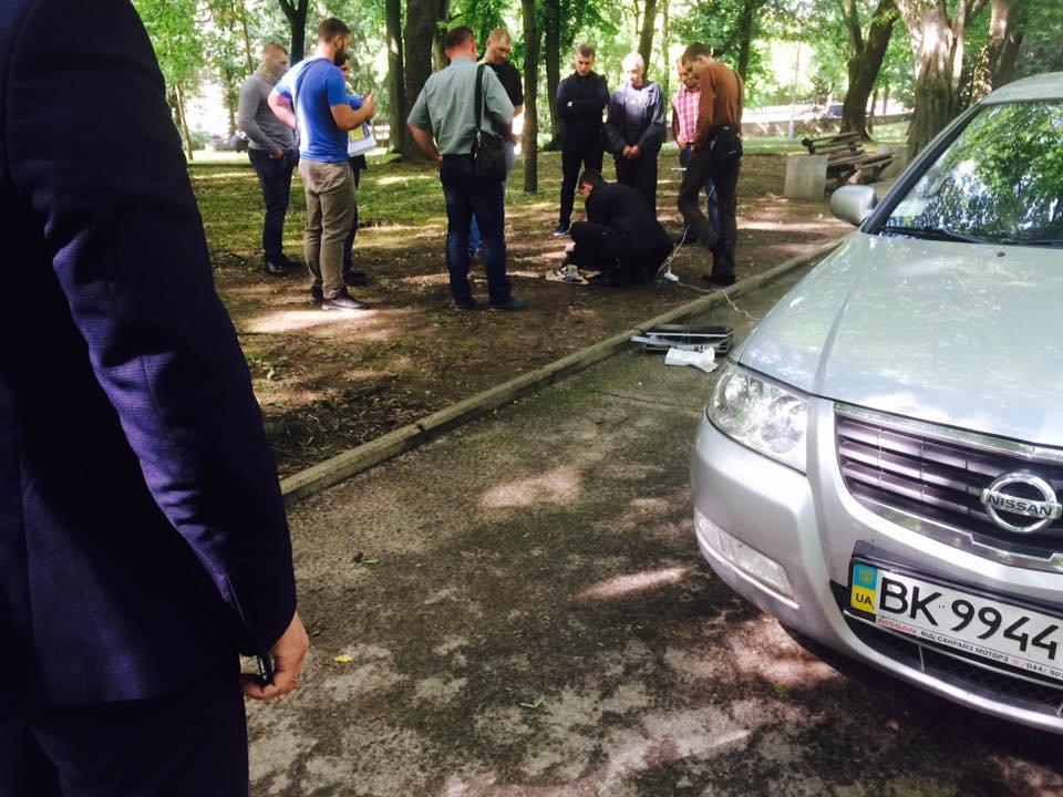 40000 долларов: в Одесской области СБУ задержала прокурора и депутата облсовета на взятке