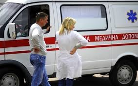 «Записку оставила в машине» В Киеве женщина бросилась под колеса грузовика. Все детали инцидента