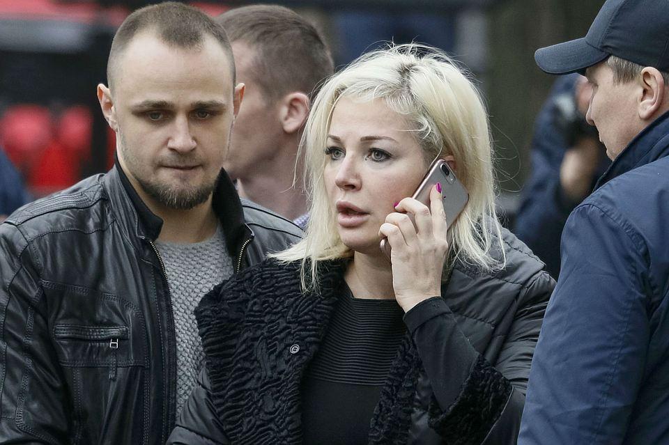 Максакова впервые прокомментировала информацию о причастности бывшего к убийству Вороненкова