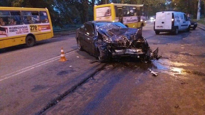 На трассе «Николаев-Херсон» произошло ДТП: автомобили  разбиты, есть пострадавшие