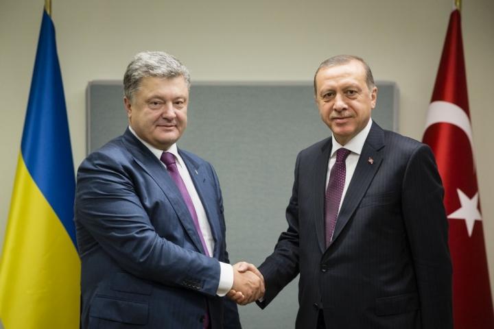 Стало известно о чем говорили Порошенко с Эрдоганом во время разговора тет-а-тет