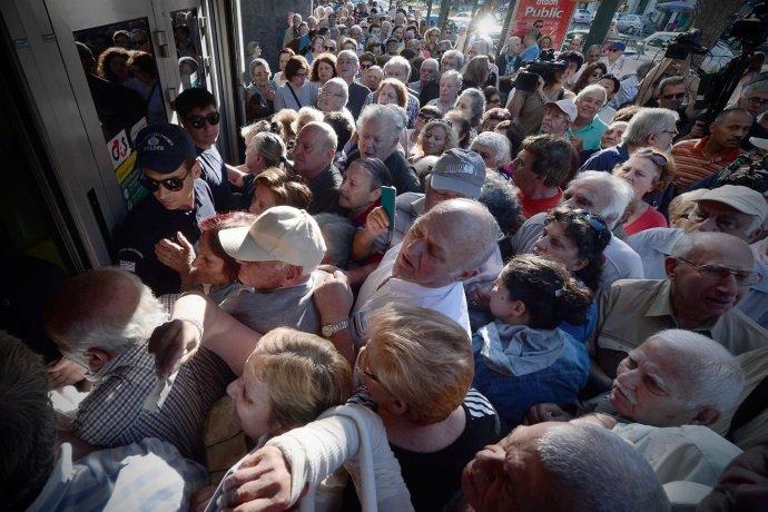 Людей не могут успокоить! Приезд Саакашвили в Хмельницкий вызвал настоящий ажиотаж