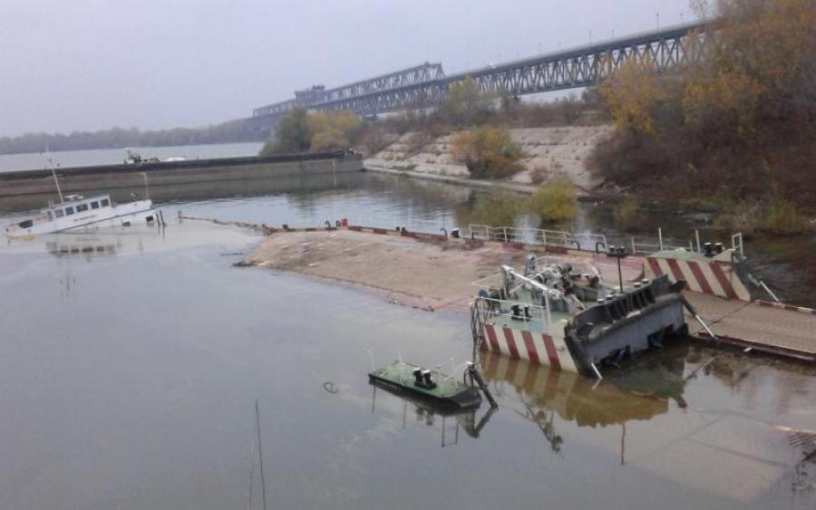 Затонула баржа грозит экологической катастрофой в Каховском водохранилище. Что ждет жителей региона?