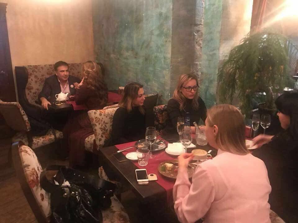 Неожиданно! Стало известно, кто «она» таинственная незнакомка в ресторане с Саакашвили