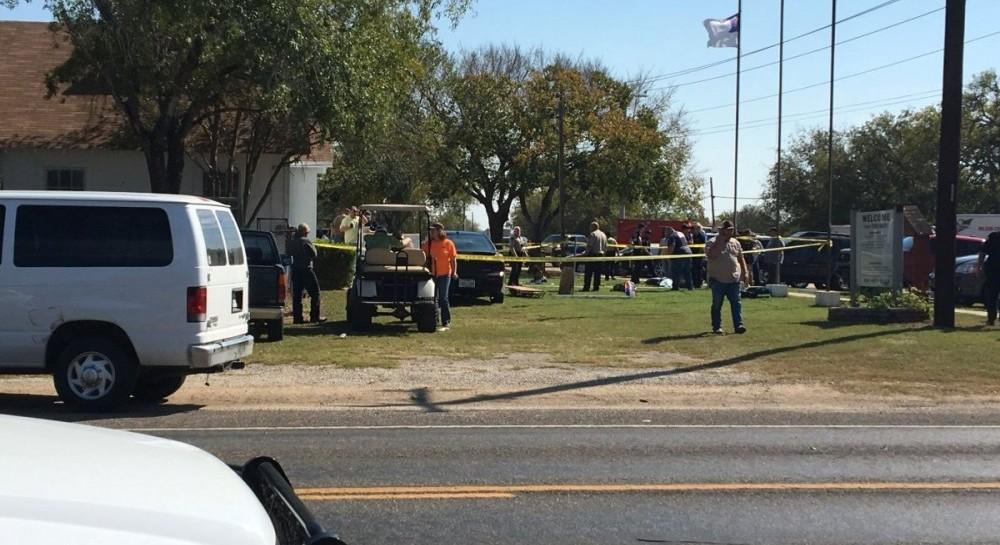 Неизвестный устроил стрельбу в церкви, погибли не менее 20 человек